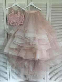 Pearl_designers Book ur dress now Completely stitched Customised in all colours For booking ur dress plz dm or whatsapp… Kids Dress Wear, Dresses Kids Girl, Baby Dress, Pink Dress, Designer Party Wear Dresses, Indian Designer Outfits, Indian Gowns Dresses, Bridal Dresses, Bridesmaid Gowns