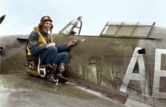 Aircraft Photos, Ww2 Aircraft, Fighter Aircraft, Military Aircraft, Famous Veterans, Hawker Hurricane, Desert Camo, Ww2 Planes, Battle Of Britain