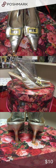 Elegante gold heels sandals, size 40 Elegante gold heels sandals, size 40, good for 8,5 and 9 size elegante Shoes Heels