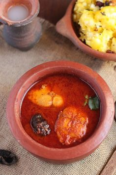 Kerala special red fish curry and mashed tapioca Fried Fish Recipes, Seafood Recipes, Cooking Recipes, Healthy Recipes, Brunch Recipes, Healthy Foods, Chicken Recipes, Dessert Recipes, Indian Prawn Recipes