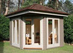 Lovely outdoor studio/work room!!
