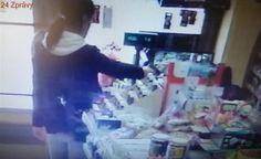 Žena, která mířila zbraní na prodavačku, se sama přihlásila na policii