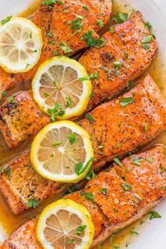 Pan-Seared Salmon with Lemon Butter (VIDEO) - NatashasKitchen.com Pan Cooked Salmon, Salmon Recipe Pan, Oven Roasted Salmon, Seared Salmon Recipes, Pan Fried Salmon, Pan Seared Salmon, Cooking Salmon, Recipes For Salmon Filets, Simple Salmon Recipe