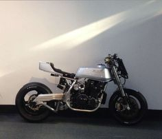 Kawasaki Z1R by Racefit | Monoshock rear suspension conversion | Compressor