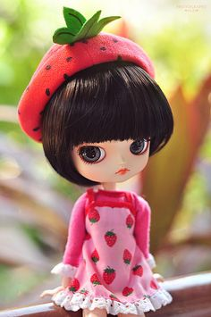 What a CUTE strawberry hat!  Would like to make a toddler-sized one.  I think this is a Blythe doll - looks A LOT like Leala!