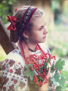 Ukrainian girl, Украиночка, Україночка.