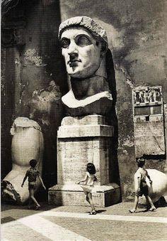 Remains of a colossal statute of the Emperor Constantine, Corrivetti Roma.Cortile interno del Palazzo dei Conservatori al Campidoglio.