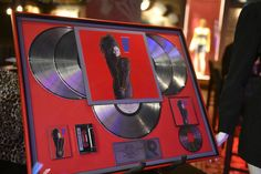 More than 1,000 items owned by Janet Jackson are about to hit the auction block. Janet Jackson, Rockland County, Piece Of Music, How To Raise Money, Arcade Games, Jukebox, Hard Rock, Auction, Thing 1