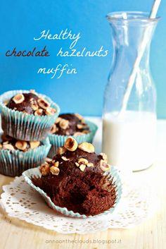 Muffin leggeri (vegani) al cioccolato e nocciole : è una questione di equilibrio   Anna on the Clouds