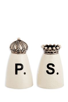 king + queen crown salt and pepper shakers.. Super cute. I love his idea. Need to find these!!