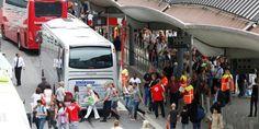 NSB benytter buss for tog på flere av avgangene fra Oslo S. Det oppstår tidvis kaos i rushtrafikken, til stor fortvilelse for Oslos pendlere.  FOTO: JØRGEN BRAASTAD / VG