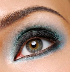Navy Eye Makeup for Hazel Eyes