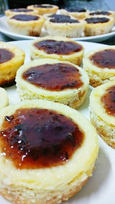 Mini Cheesecake recipe  http://myunsettlinglife.blogspot.com.br/2014/12/mini-cheesecakes.html