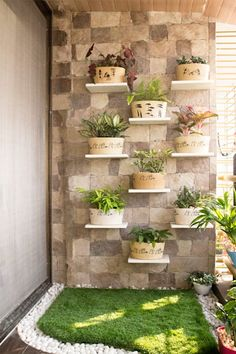 Vertical Garden Design on Balcony Wall - Unique Balcony & Garden Decoration and Easy DIY Ideas Wall Design, House Interior Decor, Decor, Terrace Decor, Home Room Design, Small Balcony Decor, Garden Wall Designs, Apartment Garden, House Plants Decor