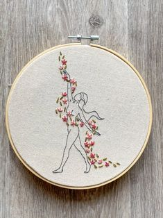 Hand Embroidery Patterns Flowers, Hand Embroidery Projects, Embroidery Stitches Tutorial, Embroidery Flowers Pattern, Embroidery Ideas, Beginner Embroidery, Simple Embroidery Designs, Creative Embroidery, Knitting Stitches