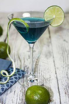 Cocktail blue lagoon vodka spécial Euro de foot pour supporter les Bleus. Le bon mix : vodka + curaçao bleu + jus de citron