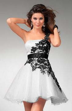 One Shoulder With Black lace Decoration Black and White Short cocktail Dresses