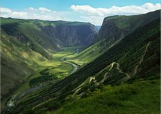The Altai mountain range represents a true merging of worlds: Russia, China, Mongolia and Kazakhstan all converge in a breathtaking fashion.