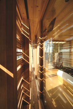 Sunset Cabin. Taylor Smyth Architects. Location: Lake Simcoe, Ontario. Year: 2004. Photographer: Ben Rahn.