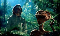 """Scena tratta da """"E.T. l'Extra-Terrestre"""""""