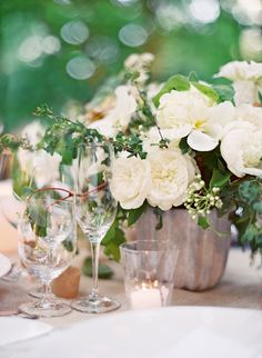 Super Chic Romantic Wedding Centerpiece Ideas. To see more: http://www.modwedding.com/2014/01/15/super-chic-romantic-wedding-centerpiece-ideas/ #wedding #weddings