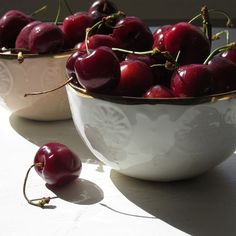 A study from the Northumbria University has shown that tart cherry juice increases melatonin levels, total sleep time and sleep quality 🍒  Source: https://www.ncbi.nlm.nih.gov/m/pubmed/22038497/
