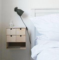 Moppe as nachtkastje of halkastje. - Ikea DIY - The best IKEA hacks all in one place Ikea Furniture, Upcycled Furniture, Bedroom Furniture, Furniture Design, Plywood Furniture, Furniture Ideas, Ikea Hack Bedroom, Bedroom Hacks, Modular Furniture