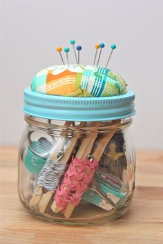 Best DIY Gifts in Mason Jars - DIY Beginner Sewing Kit Mason Jar Gift - Cute Mason Jar Crafts and Recipe Ideas that Make Great DIY Christmas Presents for Friends and Family - Gifts for Her, Him, Mom and Dad - Gifts in A Jar That Are Easy, Quick and Cheap http://diyjoy.com/best-diy-mason-jar-gifts
