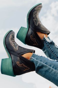 Embroidered dream booties with turquoise heels! The most gorgeous pair of western boots you'll ever own! Genuine leather western bootie. Womens Cowgirl Boots, Western Boots, Western Style, Western Wear, Country Style, Cowboy Boots, Sock Shoes, Cute Shoes, Shoe Boots