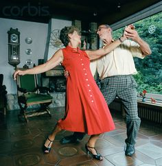 Old couples that still dance together