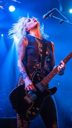 BRODY DALLE Bass, Brody Dalle, The Distillers, Grunge, Women Of Rock, Rocker Girl, Guitar Girl, She Wolf, Female Guitarist