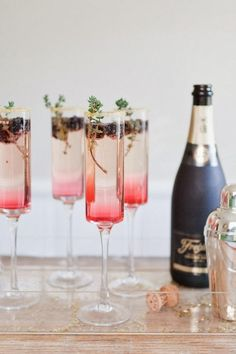 Even if this doesn't taste good—this champagne drink looks gorgeous❣