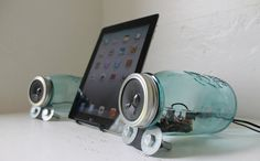 Mason Jar Speakers - UpCycled Vintage Blue Ball Mason Jars Computer - iPhone - IPOD - - Amplified Speakers Set - Handmade Bases on Wanelo Technology Gifts, Science And Technology, Diy Speakers, Ball Mason Jars, Speaker Design, Mason Jar Crafts, Upcycled Vintage, Box Design, Planer