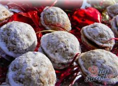 Easy Cake : Ingredients: For the dough: 200 g flour 100 g powdered sugar 100 gmilled walnuts 140 g . Best Christmas Cookies, Easy Cake Decorating, Holiday Dinner, Powdered Sugar, Four, Beautiful Christmas, Winter Holidays, Cake Pops, Cookie Recipes