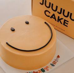 Pretty Birthday Cakes, Pretty Cakes, Beautiful Cakes, Mini Cakes, Cupcake Cakes, Simple Cake Designs, Simple Cakes, Korean Cake, Korean Food