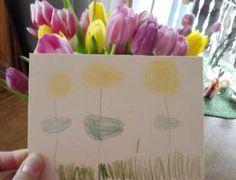 Löwenzahn - Mit den Blumen kann man ganz einfach malen. Löwenzahn zum Beispiel oder irgendetwas anderes gelbes. Dafür muss nur die Blüte über das Papier gerieben werden und es entsteht ein herrlich gelber Ton.