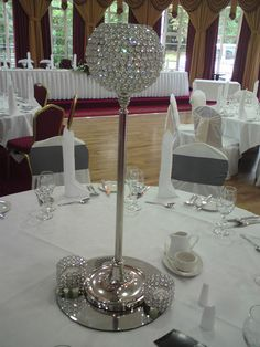 Crystal Ball Centrepiece (by Pure Events 2010, via Flickr)
