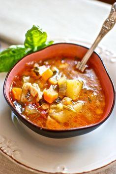 Sopa menestra de pollo y albahaca, de Pepekitchen para el blog 'A tu Gusto' de superSol. La mejor gastronomía :)