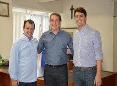 Renato Andrade é recebido na Prefeitura http://www.passosmgonline.com/index.php/2014-01-22-23-07-47/politica/9660-renato-andrade-e-recebido-na-prefeitura