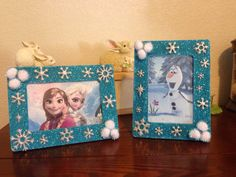 Disney Frozen Party DIY table decorations - Elsa & Anna - Olaf. I bought everything at Michaels and printed pictures.