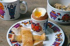 Vintage 'Circus' breakfast set designed by Elayne Fallon for Staffordshire Potteries | H is for Home