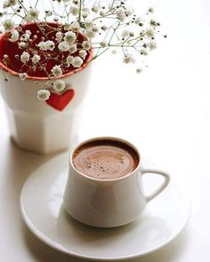 Lots Of Coffee Facts Tips And Tricks 5 – Coffee Coffee Cafe, Iced Coffee, Coffee Drinks, Espresso Coffee, Coffee Heart, I Love Coffee, Good Morning Coffee, Coffee Break, Café Latte
