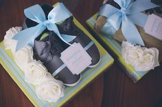 lime green & baby blue wedding gift trays.