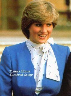 Princess Diana Fashion, Princess Diana Pictures, Charles And Diana, Prince Charles, Royal Princess, Princess Charlotte, Princes Diana, Royal Engagement, Lady Diana Spencer
