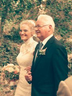 Entrada de la novia...uno de los momentos mas esperados y emotivos de la boda. Pasion eventos