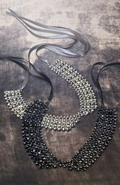Glitzy collar necklace
