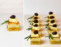 Pikante Cheesecake Squares mit Mangopüree und Cranberries