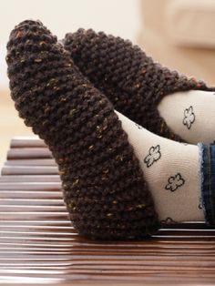 Basic slipper in easy garter stitch and warm chunky-weight yarn