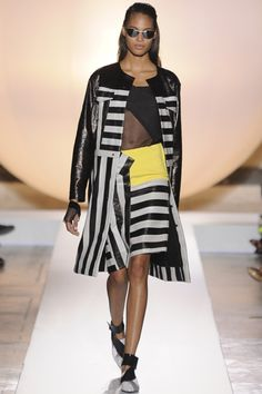 The Palais Royale and its Daniel Buren-designed black-and-white candy cane columns informed the designer's spring graphics. Daniel Buren, Island Design, Roland Mouret, Spring 2014, Duster Coat, Ready To Wear, Kimono Top, Black And White, How To Wear