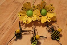 Bumble bee accessories for the wreath